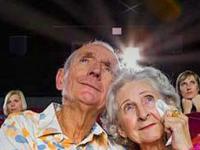 Idosos terão sessões mensais de cinema grátis em Florianópolis