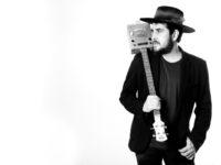 """HEY FOLKS! Rodrigo Suricato fará apresentações no SESI com sua turnê """"ONE MAN BAND"""""""
