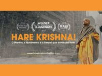 """""""HARE KRISHNA! O Mantra, o Movimento e o Swami que começou tudo"""" encontra-se em cartaz em todos os cinemas!"""