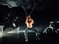 """""""Insetos"""" , que concorre a 12 prêmios de teatro, em nova temporada na Sede da Cia. dos Atores"""