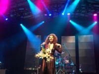 Vanessa da Mata traz a despedida da Turnê Caixinha de Música para o Circo Voador