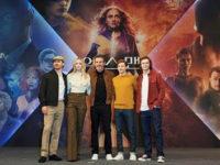 """""""X-MEN: FÊNIX NEGRA"""" :FOTOS: ELENCO É RECEBIDO POR FÃS EM EVENTO DE LANÇAMENTO DO FILME EM SEUL, NA CORÉIA DO SUL"""