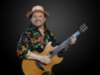 Geraldo Azevedo: Cantor e compositor pernambucano comanda, dias 5 e 6 de julho, a 11ª edição da festa junina na lona da Lapa