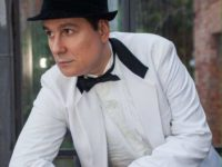 WLADIMIR CABANAS: Cantor homenageia Julio Iglesias em show no Centro Artur da Távola