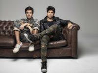 Pe Lu e Brian, do Selva, liberam versão acústica de 'Amanhecer'