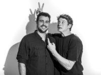 """Pedro Novaes e Joaquim Lopes: Atores de """"Malhação:Toda Forma de Amar"""" posam para ensaio de fotos inspirado no Dia dos Pais"""