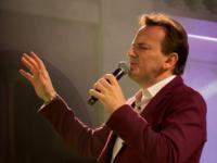 """Padre Ezequiel lança a música """"Estrelinha"""", que faz parte do DVD """"Despertar"""""""