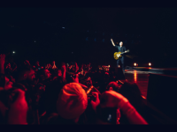 BRYAN ADAMS EM SÃO PAULO: Astro trouxe seus maiores hits para uma noite mágica
