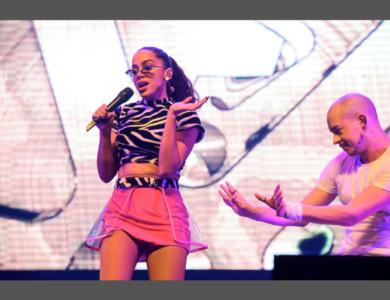 Show das Poderosinhas: Anitta de volta aos palcos do KM de Vantagens Hall