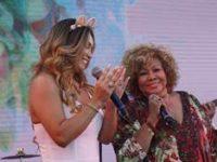 """As cantoras Alcione e Karinah cantam o sucesso """"Gostoso Veneno"""", em um dueto mais que especial"""