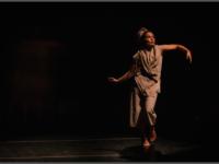 DECOPULAGEM: Bailarina recebe convite da Universidade de Roehampton (LONDRES) para lançar livro de poesias escritas em movimento e solo de dança