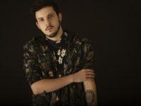 """RIVAS lança """"Know About"""" com influências do Hip Hop dos anos 70"""