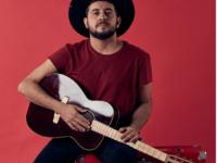 """Suricato, artista ganhador do Grammy Latino 2015 e  vocalista do Barão Vermelho, lança seu terceiro disco """"Na mão as flores"""" no Rio de Janeiro"""