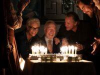 ENTRE FACAS E SEGREDOS: Uma Historia bem Agatha Christie, Totalmente Renovada