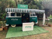 PicPay abre pop-up stores em praias e fecha parceria com ONGs