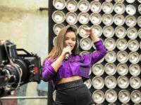 Malhação – Nanda supera crise de pânico e consegue voltar a cantar