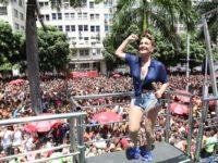 Claudia Leitte arrasta multidão na estreia do Bloco Carnaval Square, no Rio de Janeiro