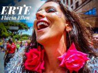 """Música: Flávia Ellen celebra o amor e a liberdade no carnavalesco clipe """"Flerte"""""""