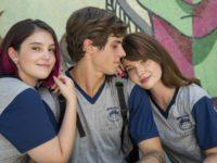 Andressa sofre ao acreditar no falso namoro de Henrique e Fafi