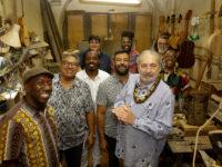 Moacyr Luz e Samba do Trabalhador comemoram 15 anos e lançam álbum no Circo Voador