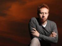 Música: Nerling canta o processo criativo de forma poética em novo vídeo ao vivo