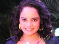 Fina Estampa – Solange comemora assinatura de contrato