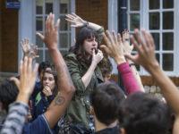Malhação: Viva a Diferença – Alunos a favor da escola pública e contra o colégio privado