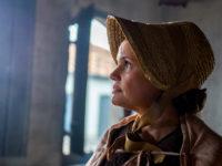 Novo Mundo – Nívea ajuda Thomas a despistar Anna