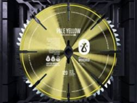 "Música: Após o sucesso de ""Goliath"", Woodkid disponibiliza sua nova faixa, ""Pale Yellow"""
