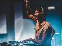 Música Eletrônica: Lucce apresenta show interativo e audiovisual ao vivo no principal Drive-in do Rio de Janeiro