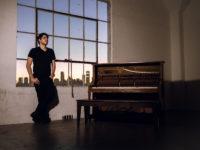 """Música Eletrônica: Lucas Frota estreia na Circus Recordings com EP """"Alone"""" em parceria com Blakkat"""