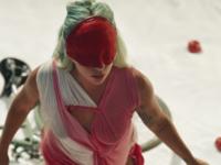 """Música: Lady Gaga lançou um curta-metragem surpreendente para """"911"""", dirigido por Tarsem Singh"""