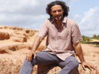 Flor do Caribe – Hélio culpa Donato por relação estremecida com a família