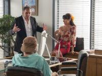 A Força do Querer – Abel tira satisfação com a família de Ruy sobre demissão de Zeca