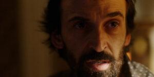 Com quatro indicações ao Emmy Internacional, '1 Contra Todos' fica completa no Globoplay e Julio Andrade fala sobre a série