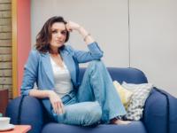 Monica Iozzi dá pontapé inicial nas gravações de seu programa