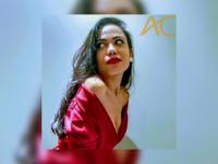 JULIANA CALU: Artista autodidata que busca traduzir seus sentimentos em traços e com eles trazer seu expectator a uma experiência nova