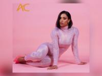OUTRO LADO : Músicas do EP de Mc Rebecca ultrapassam 1 milhão de streams combinados